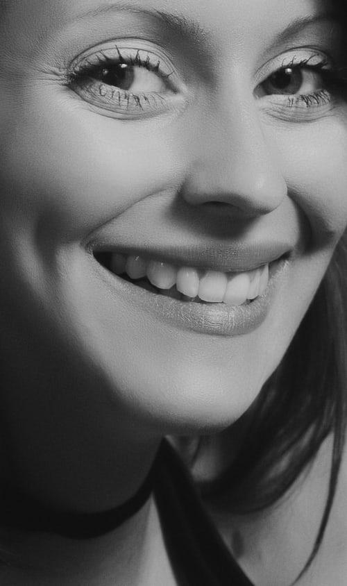 Zobne luske iz kakovostne keramike